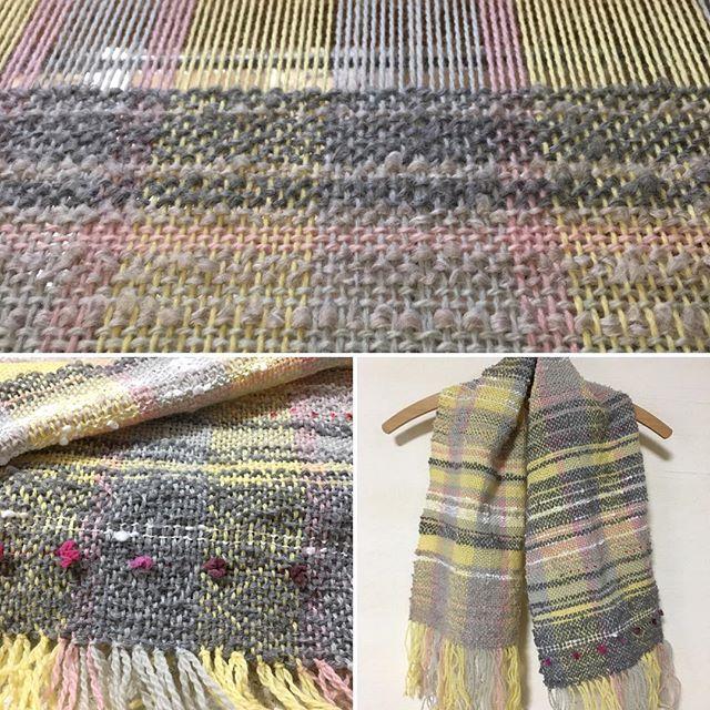 今日の織り。モヘアをベースに。完成して、けっこう満足(o^^o)