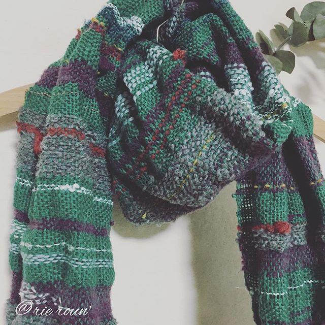 今日の織り。北の大地の秋を思い描きながら…。実りと、海を染める夕陽、山には初冠雪。