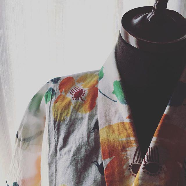 いくつの時に作ってくれた浴衣だろう。詰めてあった丈と肩幅の糸を切る。祖母がひと針ひと針縫ってくれたんだなぁと思いながら…。