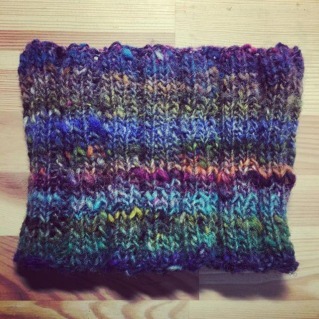 昨日玉巻きした子から…やっぱり生まれた子�(笑)編み始めたらもう止まらなくって…長くなりすぎて解きました�w